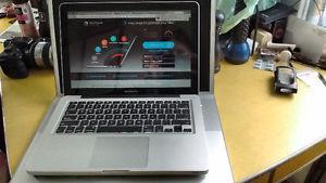 """Apple MacBook Pro A"""" Laptop"""