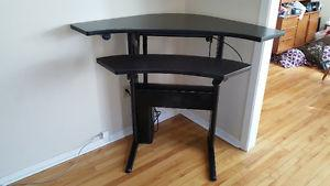 Complements Height-Adjustable Corner Table with split
