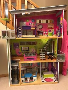 Kid craft wooden Barbie doll house