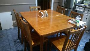 Kitchen Table and chairs MUST be sold this weekend