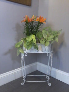 RUSTIC WROUGHT IRON PLANTER WITH STAND