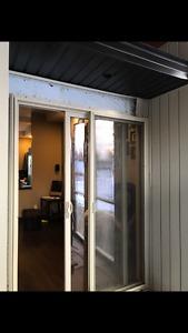 Sliding Door with screen door