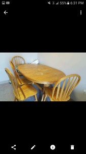 dinning table with five chairs