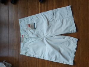 BNWT Levis boy's cargo shorts sz 12 reg