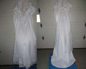 Custom Made Wedding Dress/Garment Bag/Veil