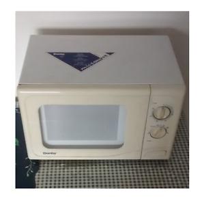 Danby Designer Microwave Posot Class