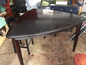 Dining table set w/ 2 Chairs