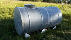 Galvanized water tank L with skid and baffle system