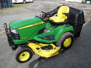 John Deere X728 Special Edition 4x4 lawn tractor