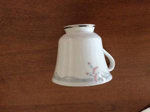 Royal Doulton China set in mint condition