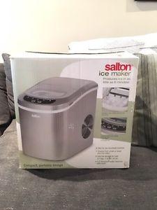 Salton Ice Cube Machine