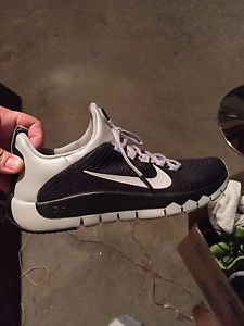 Brand new mens nike shoes size 11