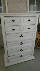 Dresser for sale excellent condition, 6 drawer excellent