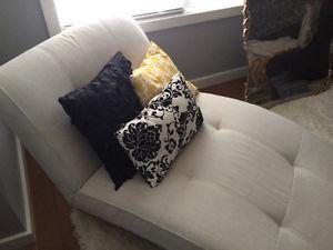 eq3 chaise lounge