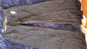 *New with Tags* Women's Size 6 Jeans