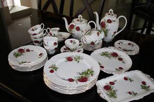 """Royal Albert """"Royal Canadian Rose"""" Pattern China ('s)"""