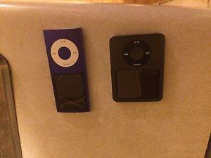 Selling a pair of IPods