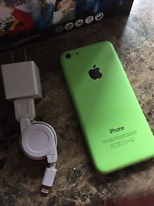 16gb iPhone 5c with VR Headset