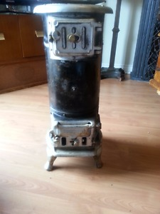 GREAT SMALL ANTIQUE WOOD STOVE GUELPH STOVE CO