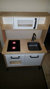 IKEA Dutkig Play Kitchen