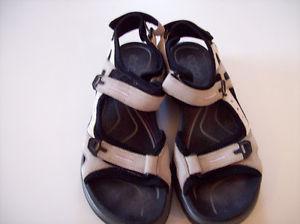 Ladies Ecco sandals trail sandals size