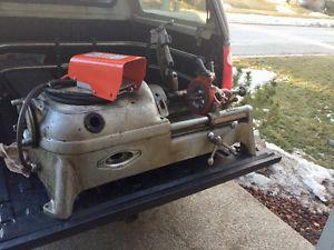 Ridgid 500 Series power pipe threader For Sale