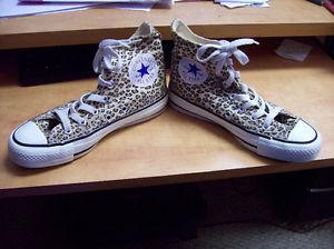 Youth Converse All Star Cheetah Cordoroy sneakers size 3.5