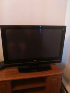 32 Inch LG flat screen TV