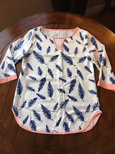 Brand New - 3/4 Length Sleeve Feather Top