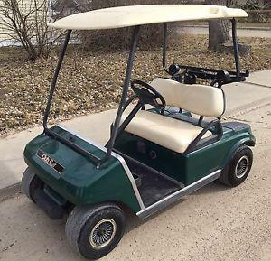 Club car electric golf cart on excellent shape