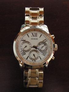 Guess Woman's Rose Gold Watch