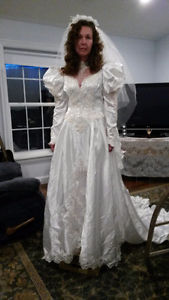 NEW - Stunning Vintage 80's Wedding Dress