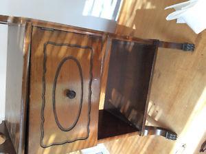 Smokers table