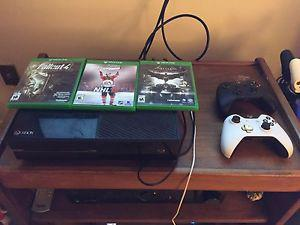 Xbox one with 2 controller and 3 games