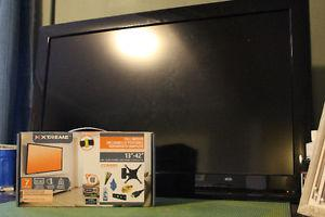 "32"" RCA flat screen with wall mount kit"