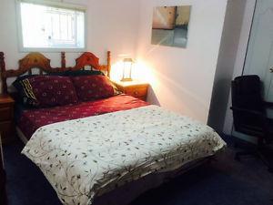 5 pieces Antique Bedroom Set