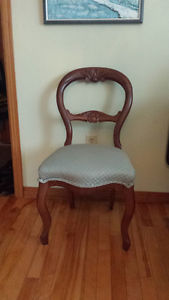 Balloon Back Chair with double carvings