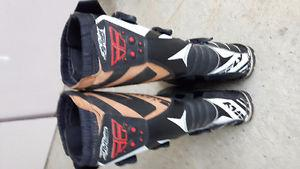 Creston, Size 11 Motorcycle boots