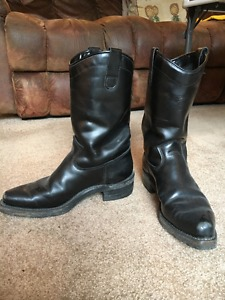 Dayton Black Beauty Boots