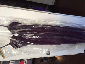 Designer Da Vinci Bridesmaid or Prom Dress (size 6)