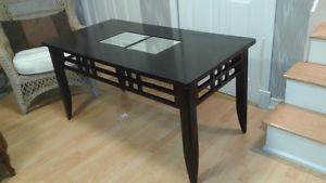 Nice, Solid Ebony Finish Hall/Accent/High Coffee Table