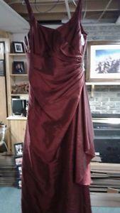 Robe de bal 200$ OU MEILLEURE OFFRE!!
