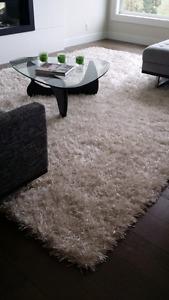 White shag carpet For Sale