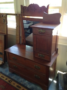Antique 's Dresser with Mirror Wymans Yarmouth Nova