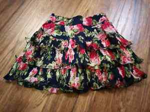 (BRAND NEW) A&F floral print skirt