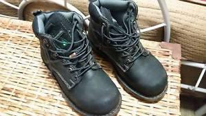 Ladies steel toe work boots