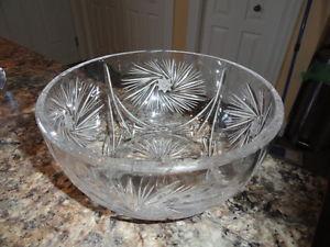 """Large 10"""" Pinwheel Crystal Bowl"""