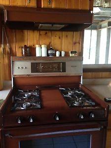Moffatt PROPANE stove and range hood