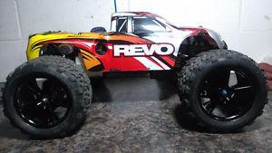 Traxxas Revo nitro r/c truck $275