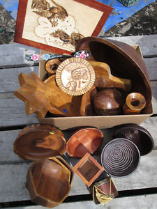 LARGE LOT OF WOODEN DECOR ITEMS